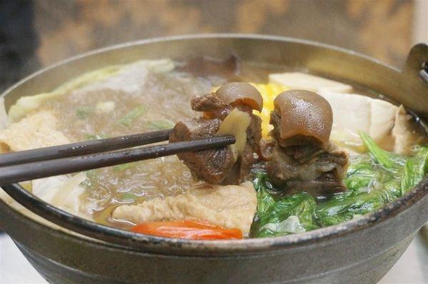 (美食)新北中和 「芸羊坊羊肉爐(鍋)」誰說一個人不能吃羊肉爐?單人羊肉爐一人獨吃更滿足!!!!