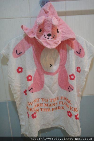 【咪娜媽★育兒用品】實用性高的兒童浴袍,洗澡&游泳玩水的保暖必備品