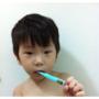 並不是不可以吃糖別怪小孩愛吃糖吃糖可以但要教他刷牙!