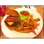 [口卡。美食] 北市信義 PHAT漢堡肥漢堡,文青極簡風格我最愛