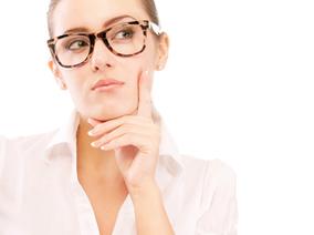 立刻解決「帶上眼鏡看起來眼睛小」問題!讓專家告訴妳眼鏡妝技巧