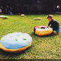 【新竹免費親子景點】發現!進擊的巨人甜甜圈!就在新瓦屋客家文化保存區