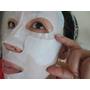 """【觀玲愛保養】亮白面膜除了要能滿足需求,還要能注入""""潤澤度"""",更要重疊雙層於臉頰加強修護。我說的不就是資生堂「驅黑淨白面膜3D」嗎!"""