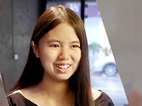 文化部長走金鐘紅毯 禮服設計來自18歲的她