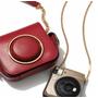Michael Kors x Fujifilm 復古相機包與即可拍將成為時尚新寵