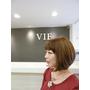 """【天母/士林優質髮廊推薦/指定Ivan享85折】VIF Hair Salon的型男設計師Ivan為噹噹媽設計的""""日本櫻花摩卡拿鐵髮色""""~換了髮色更加時尚喔!"""