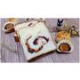台中西區』品麵包║台中最夯伴手禮。你能想像蛋黃酥大變身成「蛋黃酥蛋糕吐司」嗎?