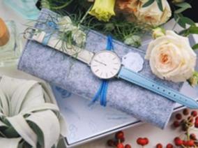 「J&V」潮流時裝錶新上市 跟著Lara&Esther玩轉時光