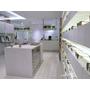 台北 中山區眼鏡行EyePlus Vision Studio~走入時尚白店面。化身可愛卡通人。專業驗光師,光學配鏡好安心