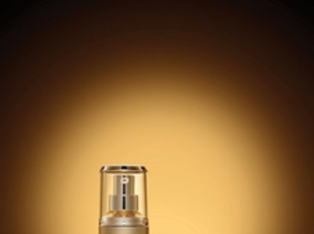 IOPE跨越化妝與保養的界線,讓臉蛋穿越回20歲的黃金時刻 !